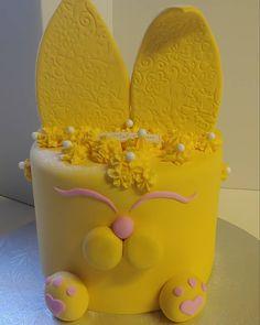 Yellow Bunny #Yellow #bunny #rabbit #cute #cake #dlish Birthday Cake Girls, Birthday Cakes, Girl Cakes, Bunny Rabbit, Tray, Yellow, Desserts, Food, Meal