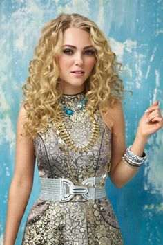 AnnaSophia Robb on Stardom and Sarah Jessica Parker - AnnaSophia Robb 'The Carrie Diaries' Interview - ELLE