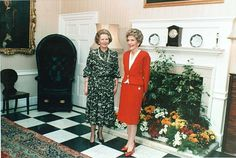 First Lady Nancy Reagan with Prime Minister Margaret Thatcher, in pearls. 7 July 1986