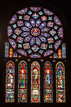 The Chartres Cathedral : a treat for all Gothic Architecture lovers - Kunst - sakral Kirchen - architecture house Gothic Cathedral, Cathedral Windows, Church Windows, Stained Glass Church, Stained Glass Angel, Stained Glass Windows, Cathedral Architecture, Ancient Architecture, Art And Architecture