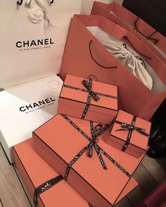Find images and videos about luxury, chanel and shopping on We Heart It - the app to get lost in what you love. Boujee Lifestyle, Wealthy Lifestyle, Luxury Lifestyle Fashion, Billionaire Lifestyle, Korean Girl Style, Chanel Cambon, Ex Machina, Luxe Life, Rich Kids