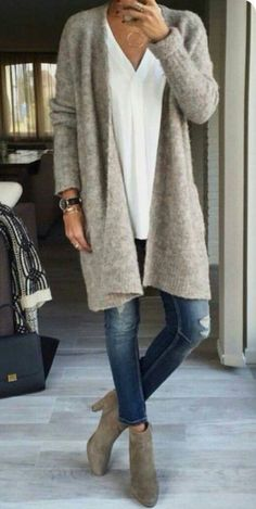 Need: a long comfortable cardigan - Great casual style. Need: a long comfortable cardigan - Casual Winter Outfits, Casual Fall, Fall Outfits, Casual Summer, Dress Casual, Summer Outfits, Chic Dress, Outfit Winter, Trendy Outfits