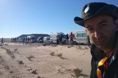 """Missão Guiné - Dia 4 - O DESERTO  """"Atravessámos o deserto do Sahara Ocidental e chegámos bem aqui ao Hotel de Aventureiros """"Barbas"""". Agora duche (yeahhhhhhh!), jantar e dormir."""" http://isaguedes.com/e/missao-guine-dia-4-o-deserto"""