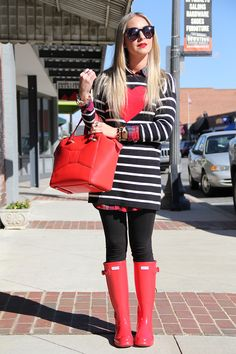 Valentine's Day ready with Red Hunter Rain Boots and Kate Spade Beau Bag ❤️