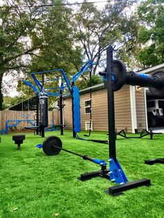 Outdoor functional fitness for your backyard! Utilize MoveStrong products and customized to the outdoor space you have available to create the ultimate garage and backyard gym! Basement Gym, Garage Gym, Backyard Gym, Dream Gym, Basketball Tricks, Wsu Basketball, Basketball Shoes, Basketball Shooting, Basketball Legends