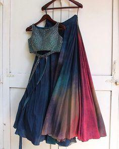 Best Indian Design Lehenga Choli For Girls Indian Gowns Dresses, Indian Fashion Dresses, Dress Indian Style, Indian Designer Outfits, Designer Dresses, Indian Skirt, Indian Bridal Fashion, Ethnic Fashion, Lehenga Skirt