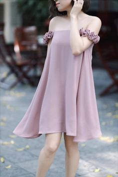 dambody.net - Đầm suông phối lưới da kết 16 bông hồng màu hồng Cute Maternity Outfits, Maternity Fashion, Japanese Fashion, Asian Fashion, Dress Outfits, Fashion Dresses, Frill Dress, Young Fashion, Event Dresses