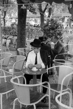 Henri Cartier-Bresson PORTUGAL. Lisbon. 1955. Avenida da Liberdade (Liberty Avenue).