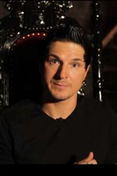 I had the love at first sight for this beautiful American named Zak Bagans. I love him and my heart beats for him. He is single and has no children, what to ask for better. Ghost Adventures Funny, Ghost Adventures Zak Bagans, Blinking Guy Meme, Jay Wasley, Ghost Shows, My Ghost, Ghost Hunters, Cute Celebrities, Celebs