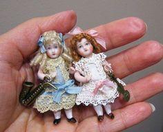 Two littel dollsl