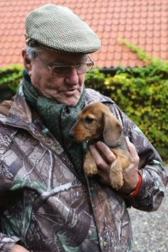 Prince Henrik of Denmark holds a Royal Hunt at Klosterheden Plantage near the Danish city Lemvig on His new dachshund Rosina. Dachshund Puppies, Weenie Dogs, Dachshund Love, Chihuahua, Daschund, Dogs And Puppies, Scottish Terrier, I Love Dogs, Cute Dogs