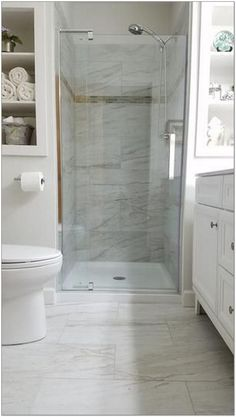 30+ Hottest Small Bathroom Remodel Ideas For Space Saving 38 - decorhomesideas #bathroom#smallbathroom#bathroomremodel