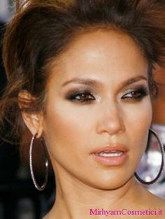 Smokey eyes tutorial: trucco di Jennifer Lopez