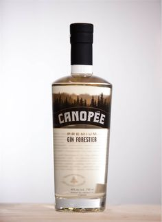 Gin Canopée. 40 % ABV. Contemporain. Forest gin from Louiseville Québec. Boreal infusion. Woody notes with slight smokiness and vanilla.