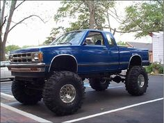 chevy s10 all jacked up!!!