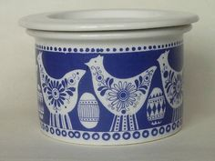 Arabia Finland Covered Pot with Bird and Egg Decoration Scandinavian Folk Art, Rooster Decor, Vintage Kitchenware, Vintage Cups, Blue And White China, Egg Cups, Egg Decorating, Nordic Design, Bird Design