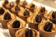 Coffee, Milk Chocolate and Mascarpone Mousse, Hungarian Recipes, Mini Cupcakes, Cookie Recipes, Cake Decorating, Sweet Treats, Food And Drink, Sweets, Chocolate