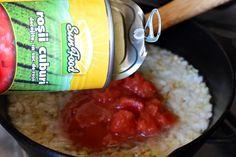 Linte in sos de rosii - CAIETUL CU RETETE Chicken, Meat, Food, Essen, Yemek, Buffalo Chicken, Eten, Meals