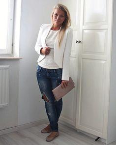 Love white blazers :)