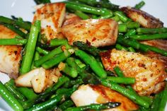 Stir-Fry Tilapia with blanched green beans and brown rice. Add sesame oil, soy sauce and oyster sauce.
