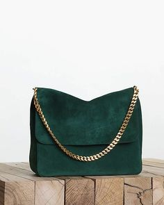 Celebrities who wear, use, or own Celine Gourmette Bag. Also discover the movies, TV shows, and events associated with Celine Gourmette Bag. Luxury Handbags, Fashion Handbags, Purses And Handbags, Fashion Bags, Fashion Accessories, Cheap Handbags, Popular Handbags, Handbags Online, Luxury Bags