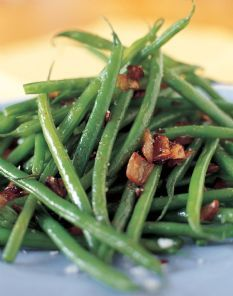 Another Barefoot Contessa classic! French String Beans with Shallots - Olive oil, butter, shallots, salt and pepper. So easy and very delicious!
