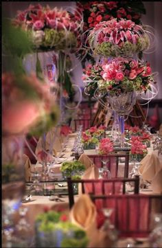 Bring Spring to a wedding table by filling it with flowers ~ Nefi Decor