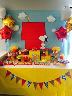 Celina H's Birthday / Snoopy and friends - Snoopy party! Danny birthday at Catch My Party Baby Snoopy, Snoopy Party, First Birthday Parties, Birthday Party Themes, Snoopy Birthday Decorations, 4th Birthday, Birthday Ideas, Charlie Brown Christmas, Friend Birthday
