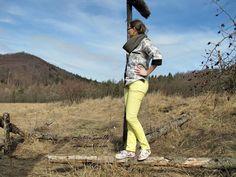 Stylizacja na wiosnę w górach z widokiem na Sudety Środkowe. Bluzka / Szal / Projekt / Wykrój / Szycie Iwakki.