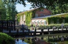 Fiskarsin ruukki on pääkaupunkiseudun suosituimpia kohteita Treasure Maps, Travel Memories, Summer Sun, Helsinki, Tourism, Nostalgia, Mansions, House Styles, City