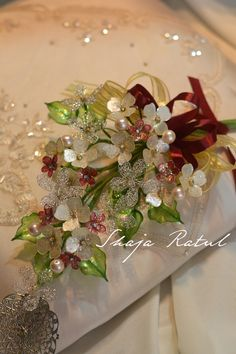 bunga dulang Nylon Flowers, Resin Flowers, All Flowers, Beaded Flowers, Wedding Flowers, Bunga Pahar, Nail Polish Flowers, Plexi Glass, Malay Wedding