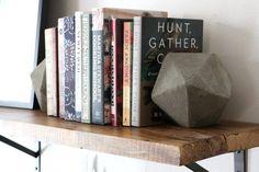 DIY: Des serre-livres géométriques en béton   BricoBistro