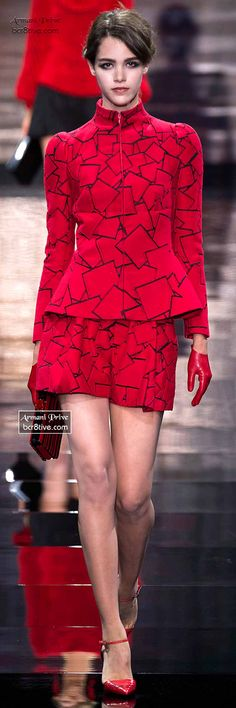 Armani Privé Haute Couture Fall Winter Collection The fabric of this garment has black squares(the element of shape) in line work on a red background. Estilo Fashion, Red Fashion, I Love Fashion, Couture Fashion, Runway Fashion, High Fashion, Fashion Show, Womens Fashion, Fashion Design