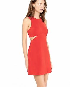 A flattering and flirtatious fit-and-flare dress made of a smooth but substantial stretch knit, for a structured shape and sculptural volume. Ample side cut-outs give some much-deserved attention to your waist.