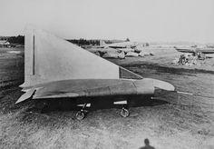 Lippisch DM-1El Lippisch DM 1 desempeñó un papel vital en el desarrollo del primer avión del ala delta propulsado por chorro para volar, el Convair XF-92A. Las extensas pruebas de vuelo que Convair y la Fuerza Aérea de los Estados Unidos realizaron con el XF-92A llevaron a la compañía a desarrollar el Convair F-102 Delta Dagger y el F-106 Delta Dart, ambos delta wing fighters, así como el B-58 Hustler Bombardero supersonico del ala delta. La Fuerza Aérea de los Estados Unidos y la Guardia…