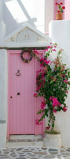 Pretty in Pink Door house in Paros , Greece Cool Doors, Unique Doors, Pretty In Pink, When One Door Closes, Pink Houses, Everything Pink, Door Knockers, Shabby Vintage, Shabby Chic