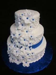 Sublime Cake Design Redding Ca : Wedding Cakes on Pinterest Buttercream Cake, Floral ...