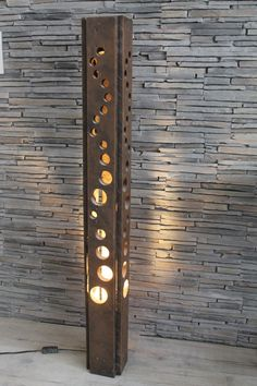 Locating the perfect lamp for your home can be tough because theres such a wide variety of lamps to choose from. Yow will discover lamps created for your family room, bedroom, hanging lamps, floor lamps and just about any other kind you can think of. Blitz Design, Into The Woods, Wooden Lamp, Diy Holz, Bedroom Lamps, Metal Furniture, Industrial Furniture, Light Fixtures, Diy Home Decor