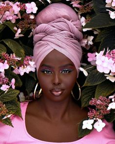 Hair Wrap Scarf, Hair Scarf Styles, Head Wraps For Women, Curly Fro, Afro Punk, Natural Hair Inspiration, African Beauty, Dark Beauty, Scarf Hairstyles