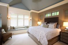 love the windows above the bed