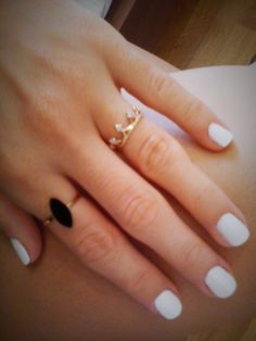 multi ring trend/white nails