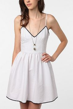 Pretty Penny Linen Full Circle Dress. I wonder if I could pull this off...