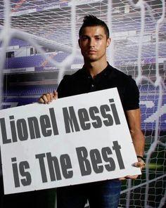 Well done ronaldo Messi Y Ronaldo, Cristiano Ronaldo, Messi Pictures, Messi Photos, Funny Soccer Memes, Football Memes, Fifa Football, Sports Memes, Messi Soccer