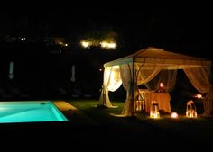 Your romantic Wedding under the stars... in the romantic hotel and restaurant Taverna di Bibbiano near Siena and with stunning view over the classical Tuscan landscape and San Gimignano medieval towers in the background