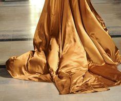 Save & repin! LeSalon mobile beauty in London www.lesalonapp.com #strongwomen #girlpower #LeSalonLadies