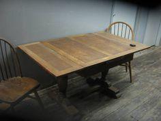 $450 - Vintage Oak Dining Table