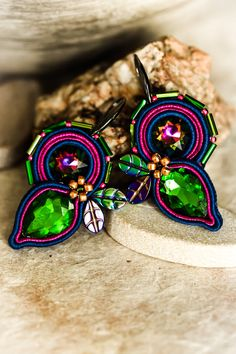 Colorful floral soutache earrings gift for her by nikuske on Etsy Soutache Bracelet, Soutache Jewelry, Beaded Earrings, Earrings Handmade, Handmade Jewelry, Gifts For Friends, Gifts For Her, Green Earrings, Beautiful Gift Boxes