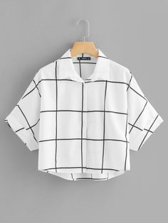 Casual Plaid Shirt Regular Fit Collar Half Sleeve Roll Up Sleeve Black and White Regular Length Rolled Sleeve Dip Hem Grid Shirt Crop Top Outfits, Cute Casual Outfits, Stylish Outfits, Girls Fashion Clothes, Teen Fashion Outfits, Jugend Mode Outfits, Vetement Fashion, Summer Work Outfits, Summer Wardrobe