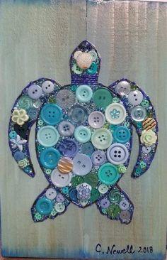 button art on canvas \ button art + button art on canvas + button art projects + button art for kids + button art diy + button art ideas + button art vintage + button art on canvas diy Sea Turtle Decor, Sea Turtle Gifts, Sea Turtle Art, Button Art Projects, Button Crafts, Craft Projects, Button Art On Canvas, Button Wall Art, Turtle Quilt