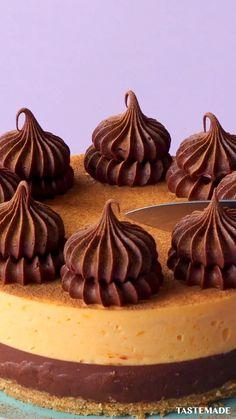 Cheesecake Recipes, Dessert Recipes, Rodjendanske Torte, Delicious Desserts, Yummy Food, Pumpkin Mousse, Chocolate Cheesecake, Chocolate Ganache, Tiny Food